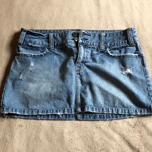 American Eagle Distressed blue jean skirt